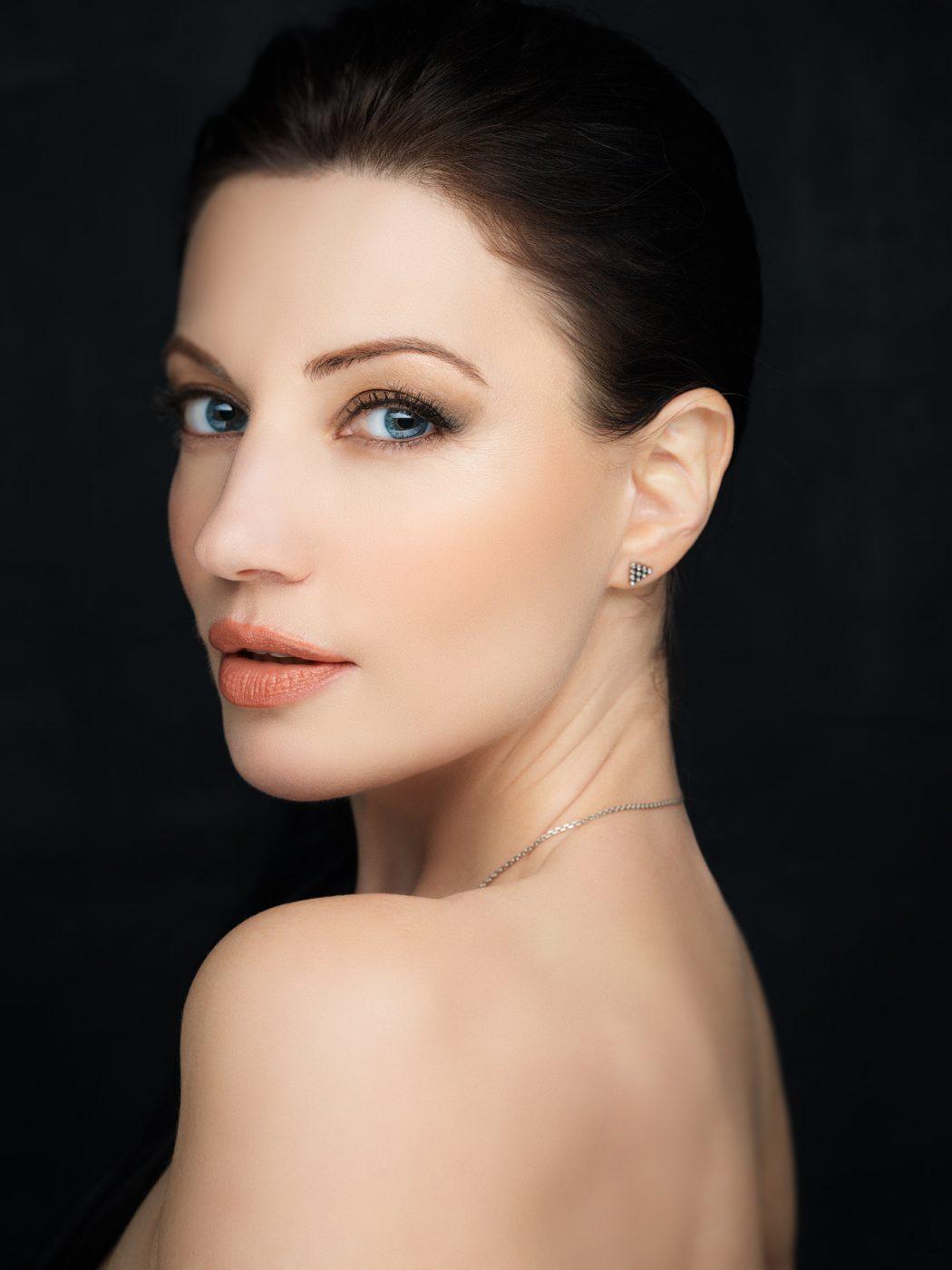 beauty headshot, makeup photography, fashion portrait