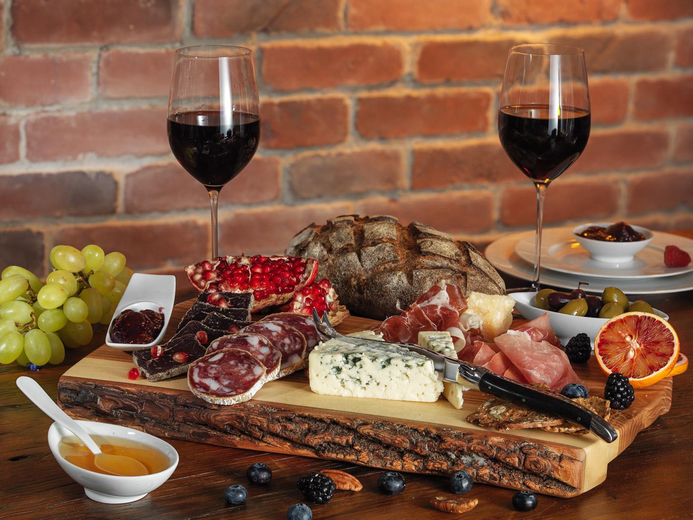 cheese board, food photography, table setup photography, bread board, Montreal food photography