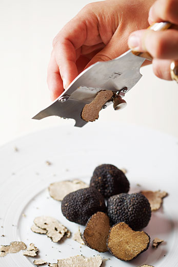 black truffles cutting, product photography by Montreal photographer