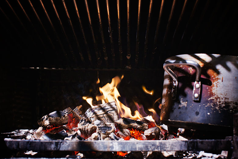 cooking on open fire, fire photography