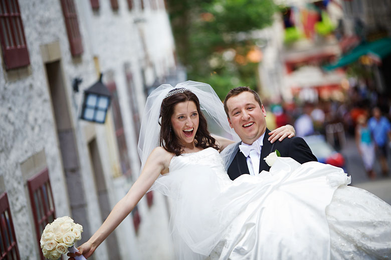 wedding photography in old Montreal port