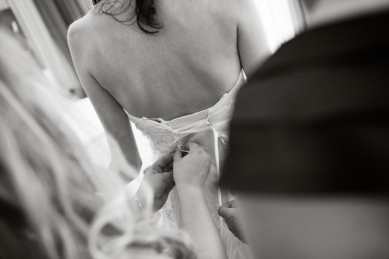 bride's preparation photography by Montreal Photographer Vadim Daniel