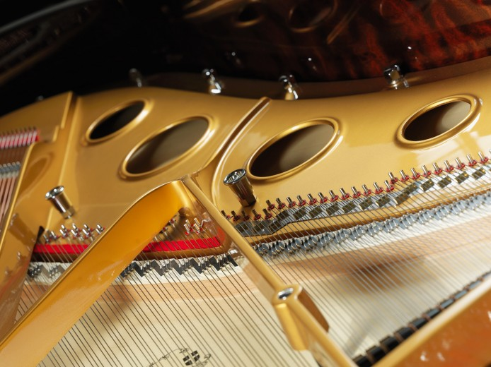 drand piano product photography by Montreal photographer Vadim Daniel
