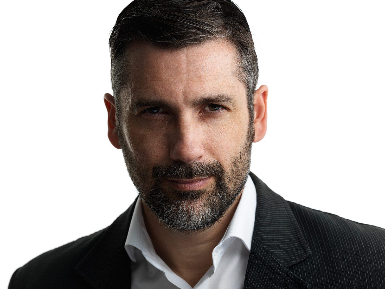 headshot true Montreal, HP Vadim Daniel, Montreal profile photographer, linkedin headshot montreal