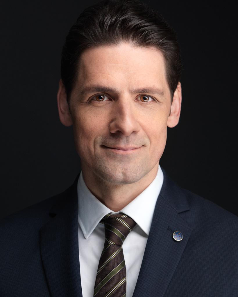 Montreal corporate photographer headshots portraits